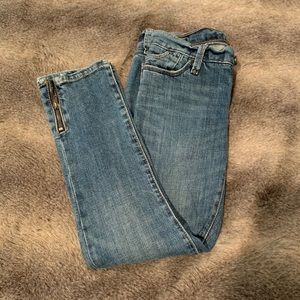 GAP 1969 Jeans w/ zipper detailing at Ankles